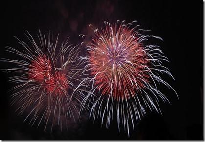 fireworks-80216_640